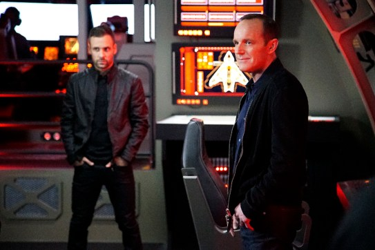 Agents of S.H.I.E.L.D. 3x12 - NICK BLOOD, CLARK GREGG