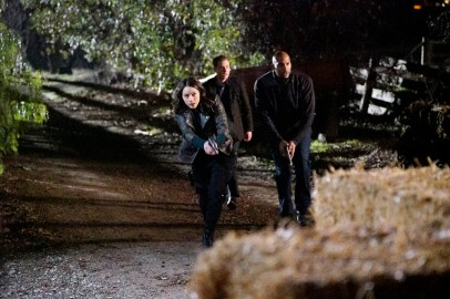 Agents of S.H.I.E.L.D. 3x14 - CHLOE BENNET, IAIN DE CAESTECKER, HENRY SIMMONS
