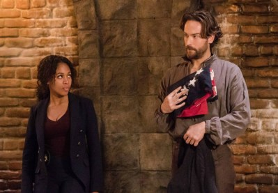 Sleepy Hollow 3x16-7