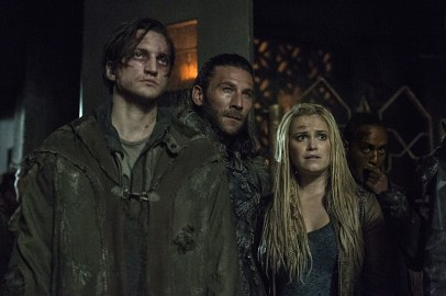 The 100 3x09-10