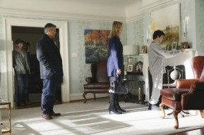 The Family 1x01-44