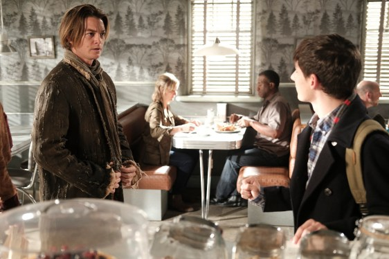 Once Upon A Time 6x02 - CRAIG HORNER, JARED GILMORE