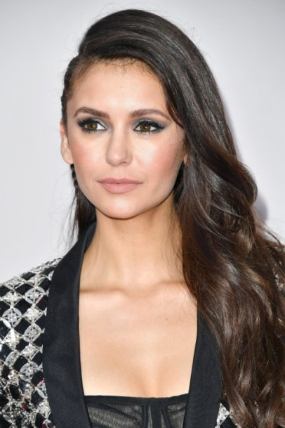 nina-dobrev-american-music-awards-1
