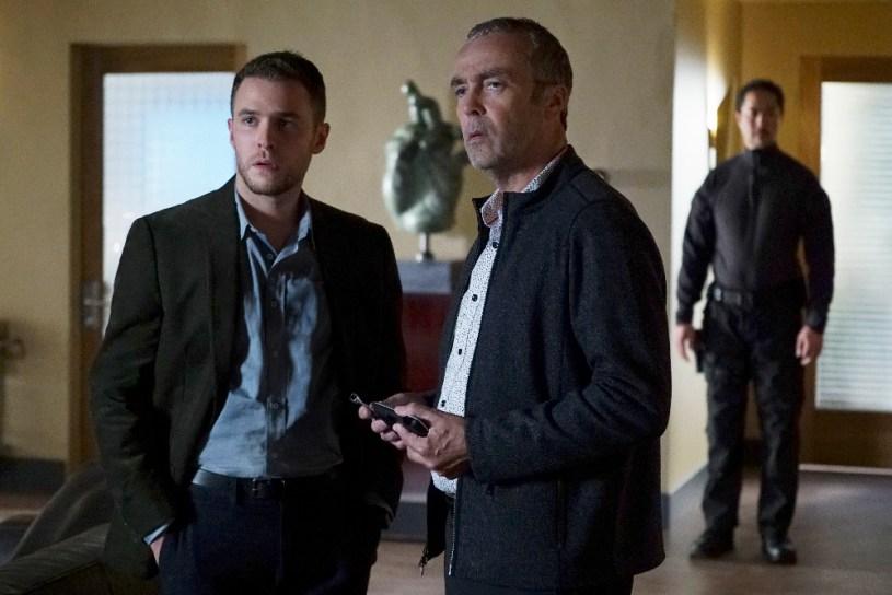 Agents of S.H.I.E.L.D. 4x09 - IAIN DE CAESTECKER, JOHN HANNAH