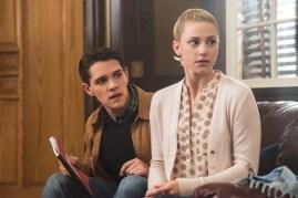 Riverdale 1x02-17