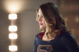 Supergirl 2x15-5