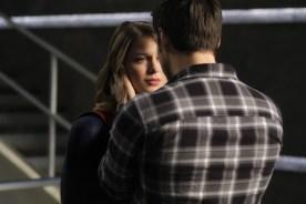 Supergirl 2x16-2