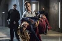 Supergirl 2x16-28