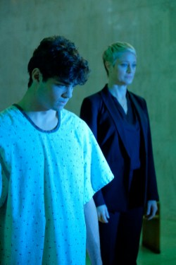 The Fosters 4x12 - NOAH CENTINEO, TERI POLO