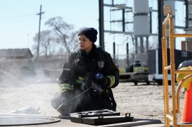 Chicago Fire 5x19 - 17