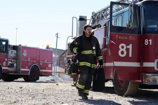 Chicago Fire 5x19 - 18