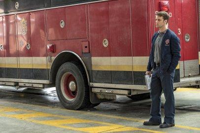 Chicago Fire 5x20 - 01