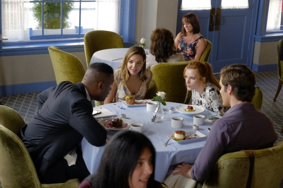 Famous In Love 1x03 - 08