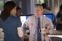 Chicago Med 2x22 - 02