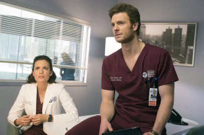 Chicago Med 2x22 - 13
