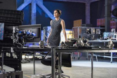 Supergirl 2x20-11