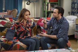Young & Hungry 5x10 - 05