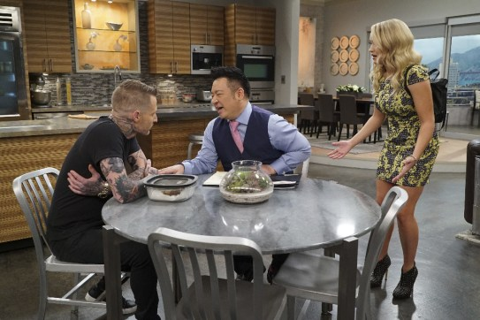 Young & Hungry 5x10 - 21