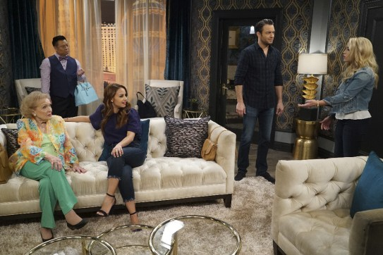 Young and Hungry 5x08 - 18