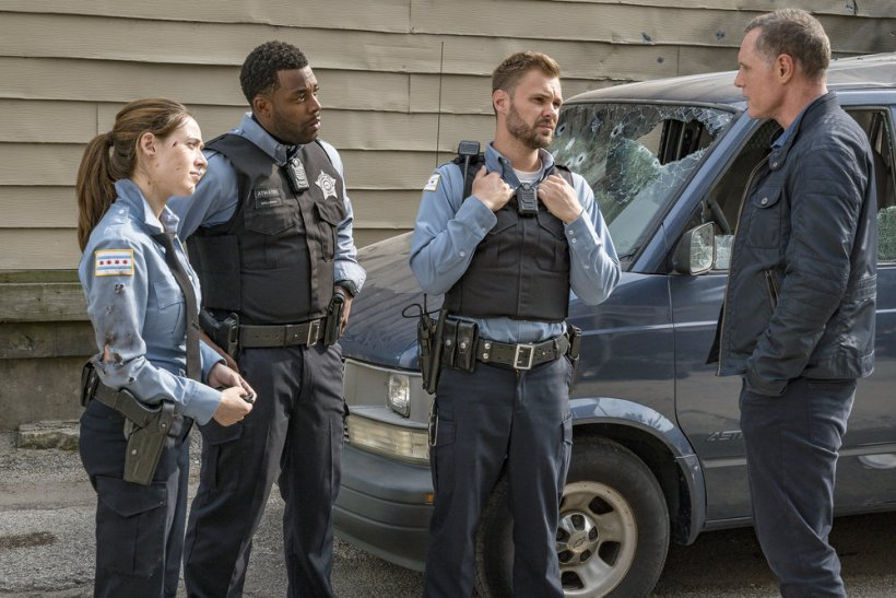 "Chicago P.D. 5x02 ""The Thing About Heroes"" Synopsis, Promotional Photos & Preview"