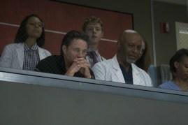 Greys Anatomy 14x01-8