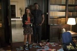The Mayor 1x01-54
