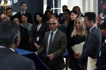 Designated Survivor 2x03-21