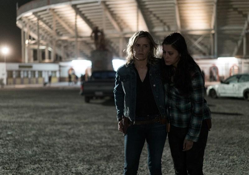 Fear The Walking Dead 3x14 El Matadero Mercedes Mason and Kim Dickens