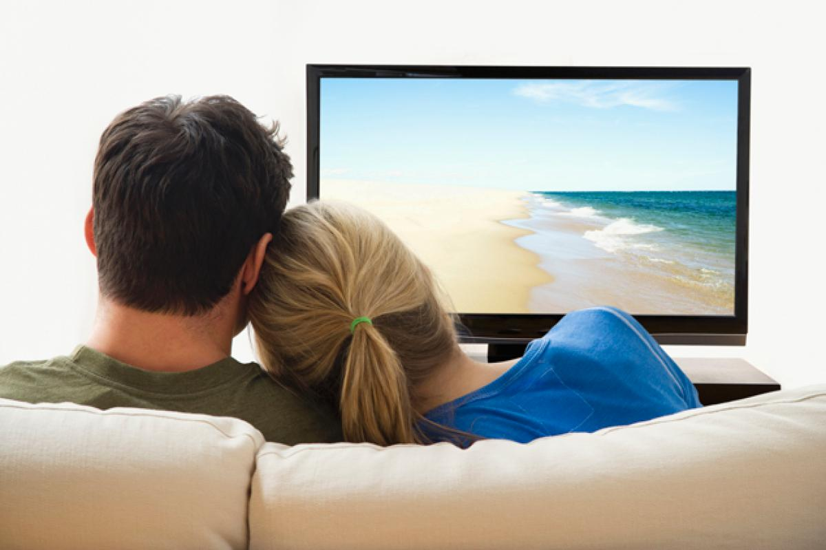 4K TV: How Far Away Should You Sit? - The TV Answer Man!