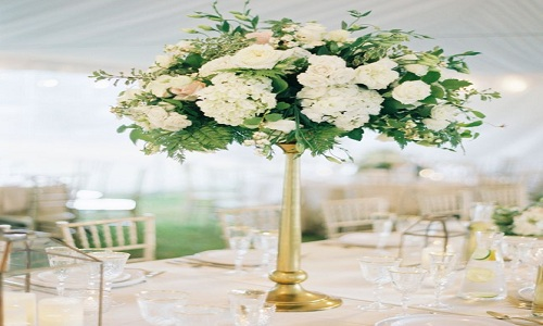 Sophisticated Centerpiece on Stand
