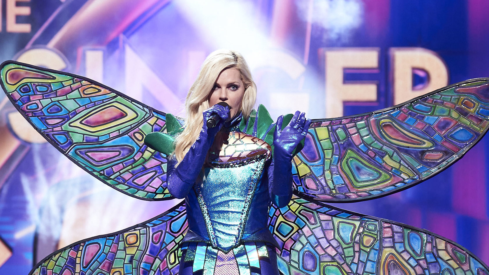 SOPHIE MONK Returns To Singing On THE MASKED SINGER Australia TV Blackbox