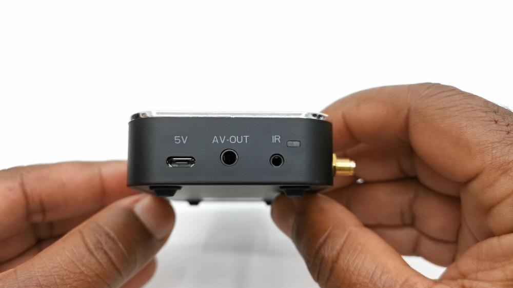 Ugoos X3 Pro Side ports