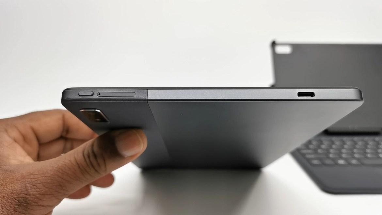 Vastking Kingpad M10 Tablet left IO ports