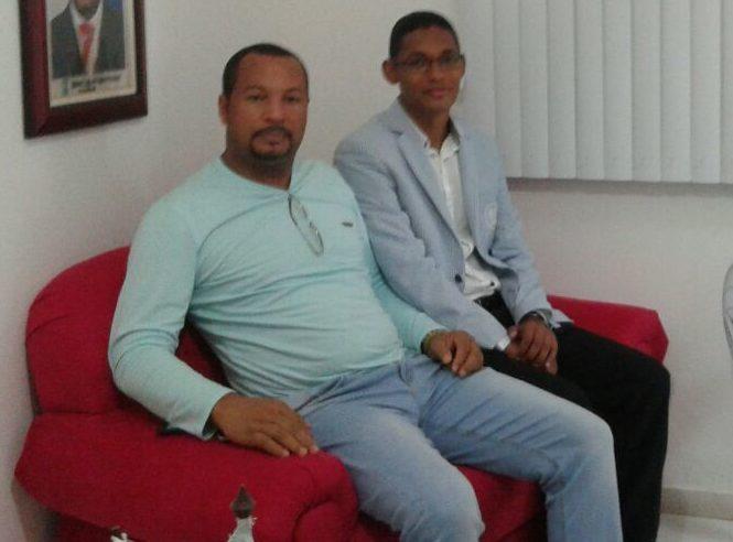 Vereador Luiz de Dêla faz cobranças em seu gabinete a Secretário de Educação de Conceição da Feira