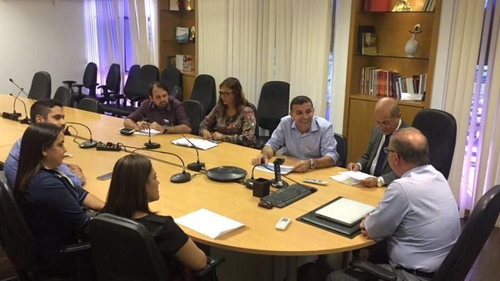 SAÚDE: Secretário de Saúde garante equipar a UHMTL de Conceição da Feira