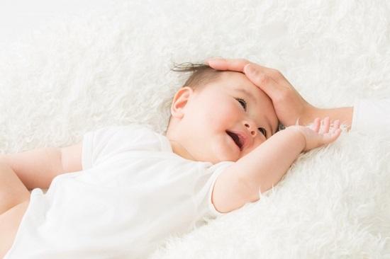 鼻水吸引器の赤ちゃん用。
