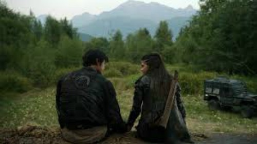 Octavia and Bellamy The 100 CW
