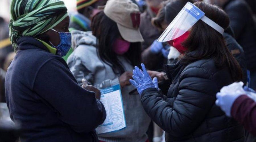 Chile inicia el tercer retiro de pensiones