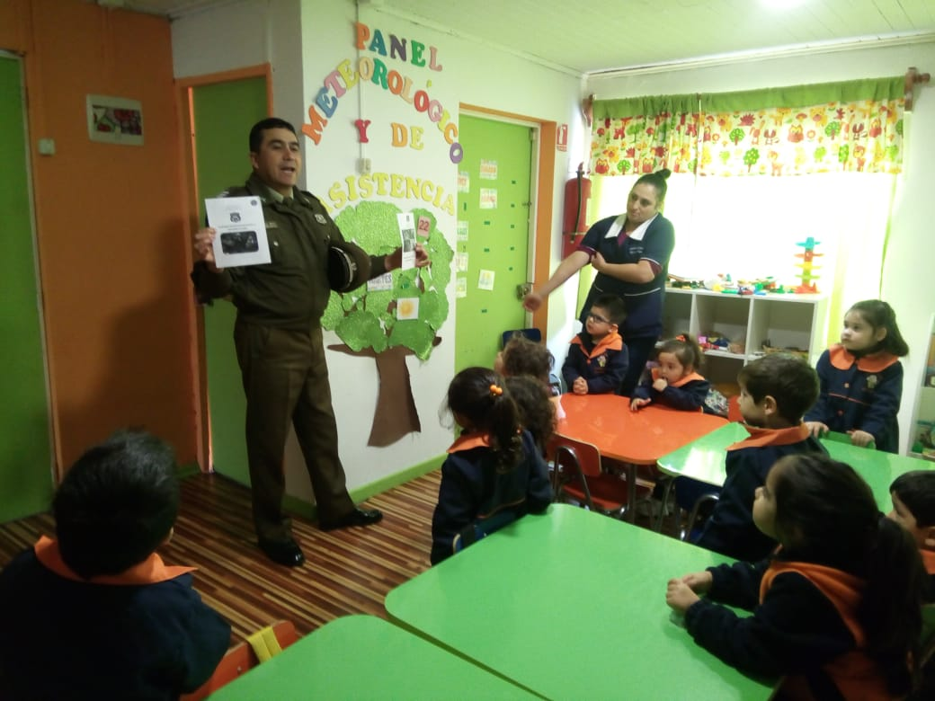 Carabineros de San Javier realiza charla preventiva ante posibles  secuestros de menores e8601a8b491