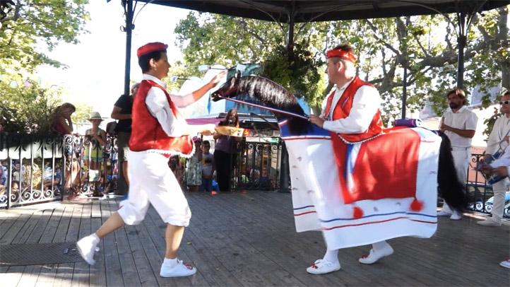 209 ème fête de Mèze - La danse du chevalet