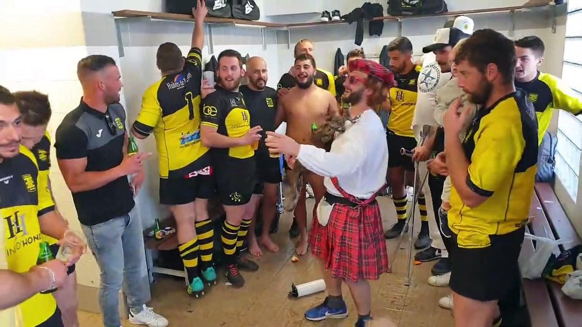 Ambiance dans les vestiaires du Rugby Club de Mèze