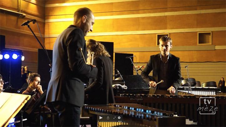 """""""Duelin'Xylos""""  par Nicolas Del-Rox, Guillaume Cazal et l'orchestre de l'école de musique de Mèze"""