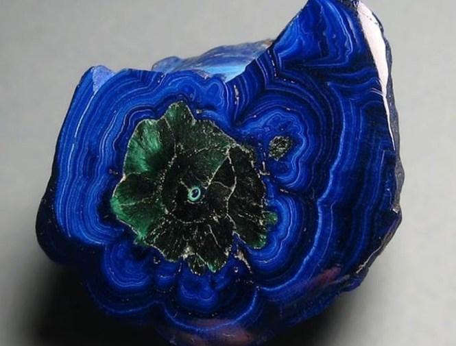 Азурит-камень-Свойства-азурита-Применение-азурита-4