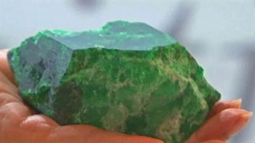 Что-такое-изумруд-Свойства-добыча-история-драгоценного-камня-11