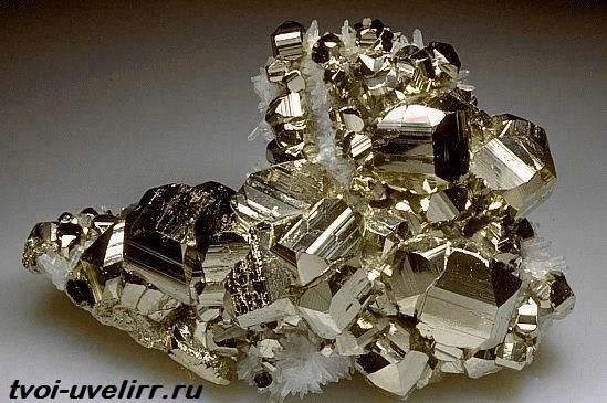Пирит-Происхождение-история-и-свойства-минерала-2