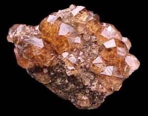 Гессонит-Описание-и-свойства-минерала-1