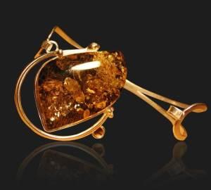 Янтарь-Свойства-происхождение-и-имитации-минерала-7