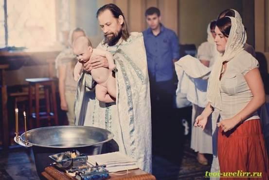 Крещение-в-церкви-1