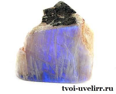 Беломорит-камень-Описание-и-свойства-беломорита-5