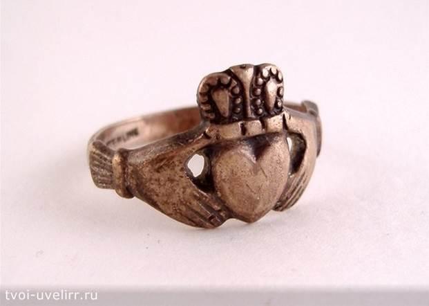 Кладдахское-кольцо-Легенда-о-Кладдахском-кольце-и-его-фото-1